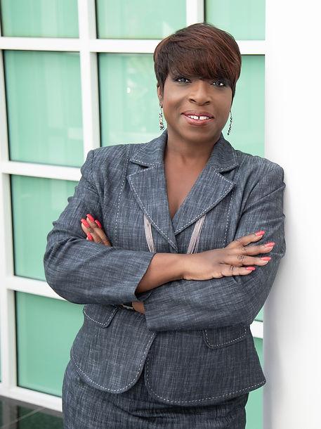 Dr-Angela-Hill-5925_edited.jpg