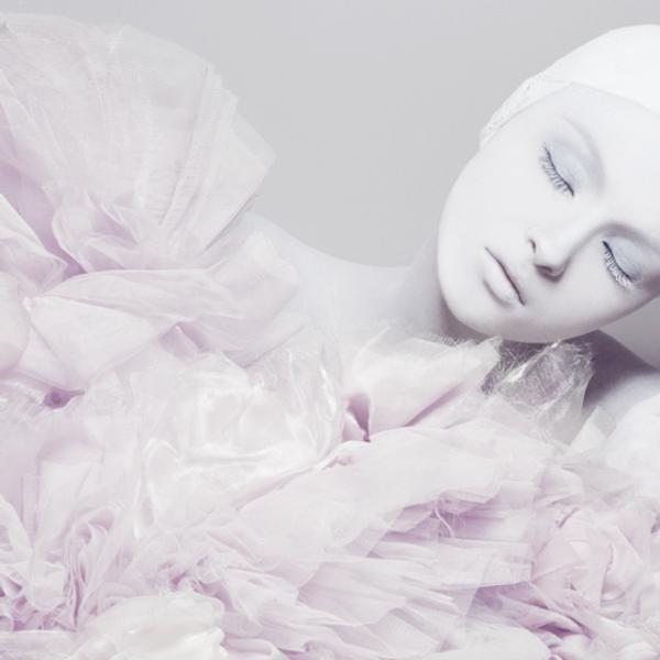 Швейцарская косметика класса люкс от Deesse (Дэс),маски для лица,абрикосовая линия косметики,специальный уход,уход для лица,уход для тела,уход для рук и ног,профессиональные средства для волос,увлажняющий крем,очищение и тонизация,декоративная косметика