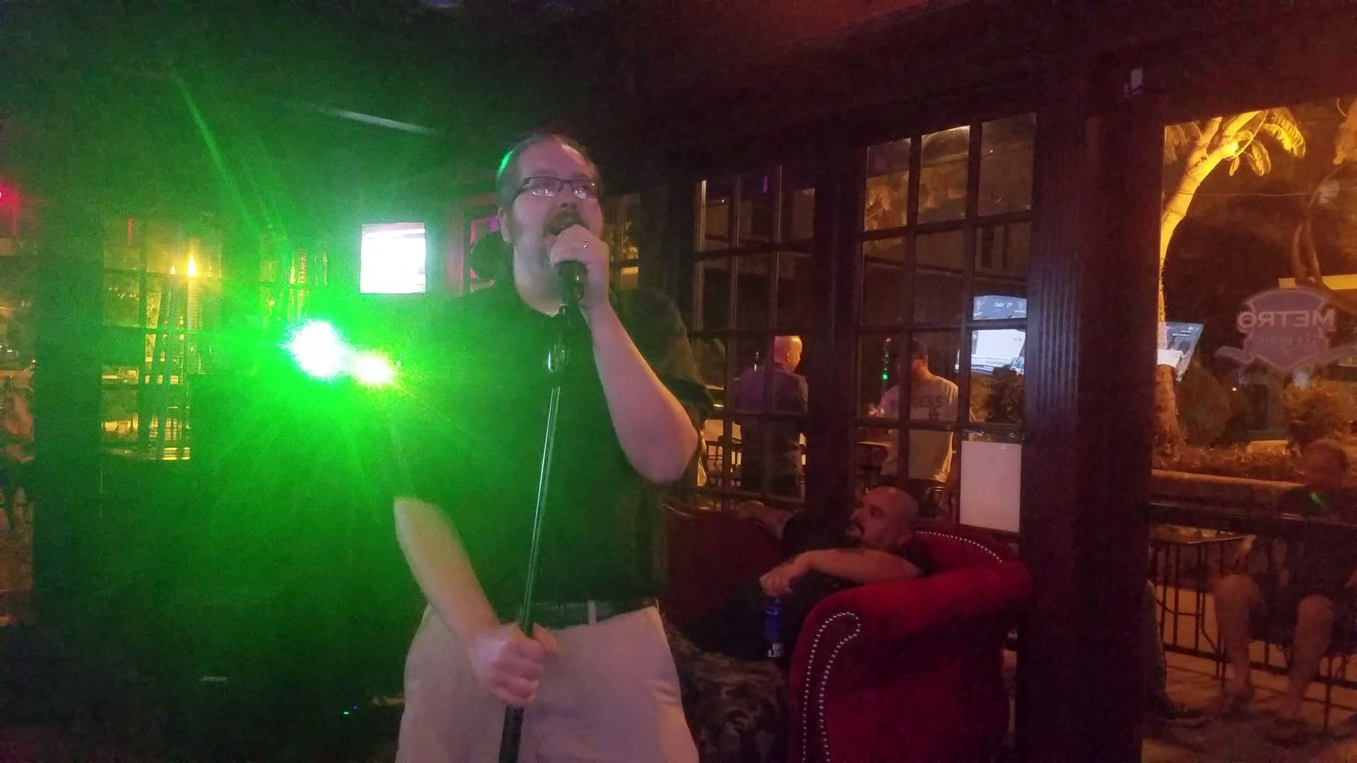 Shane singing The Loneliness of the Long Distance Runner by Ir...