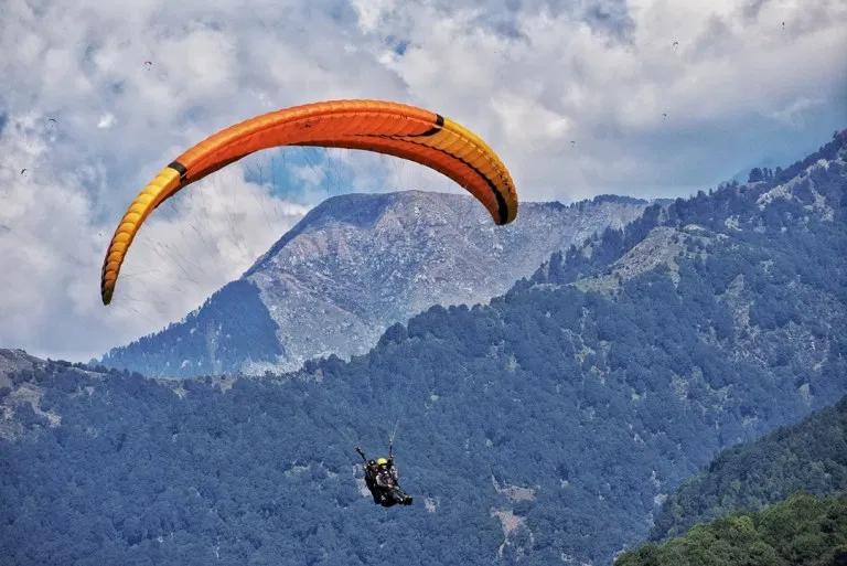 paragliding, Bir, himachal Pradesh