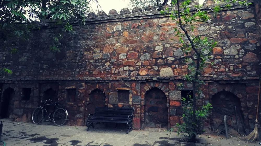 Hauz Khas, New Delhi, north India, fort wall