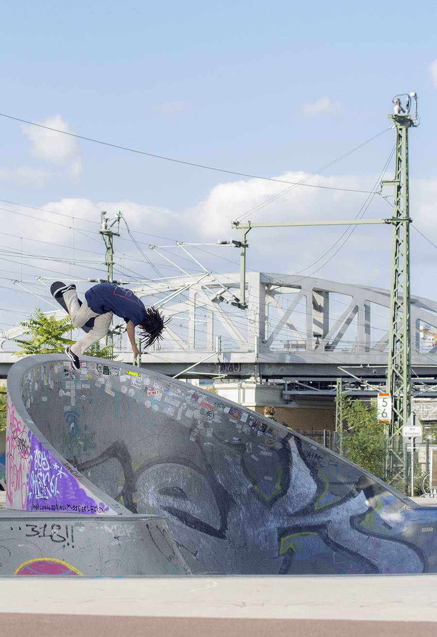 Jordan Thackery - BS Boneless - Bowl - Berlin