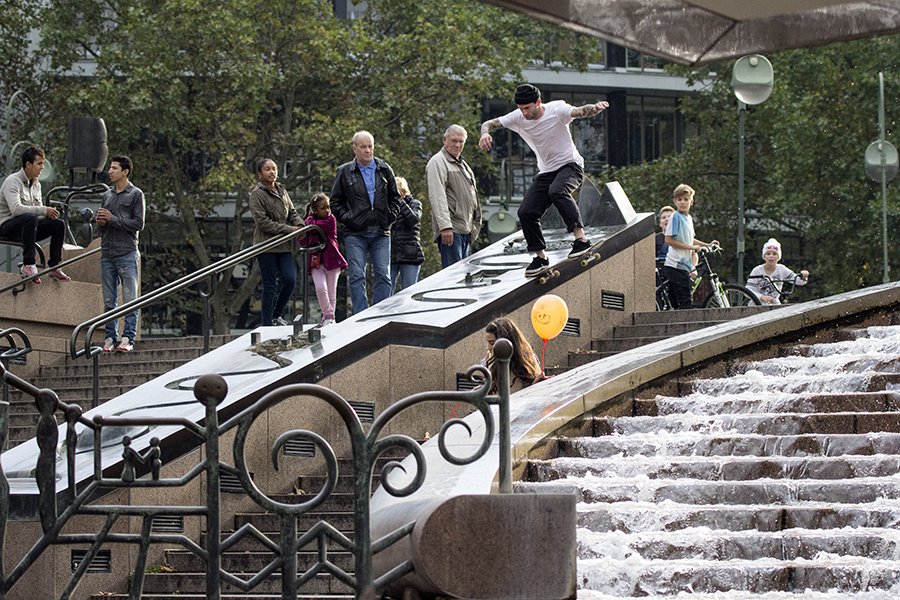 Harley Miller - BS Nose Slide - Fountain - Berlin 01