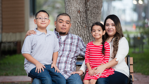 Fayetteville Family Photographer | The Treviño Family