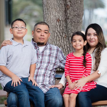 Fayetteville Family Photographer | The Treviño Family