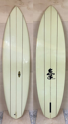"used Ki surfboard/6'10"" Flying Carpet"