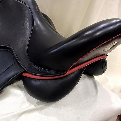 Mal Byrne custom saddle