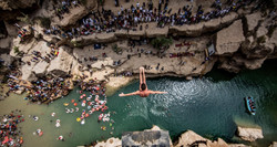 cliff-diving-in-oman