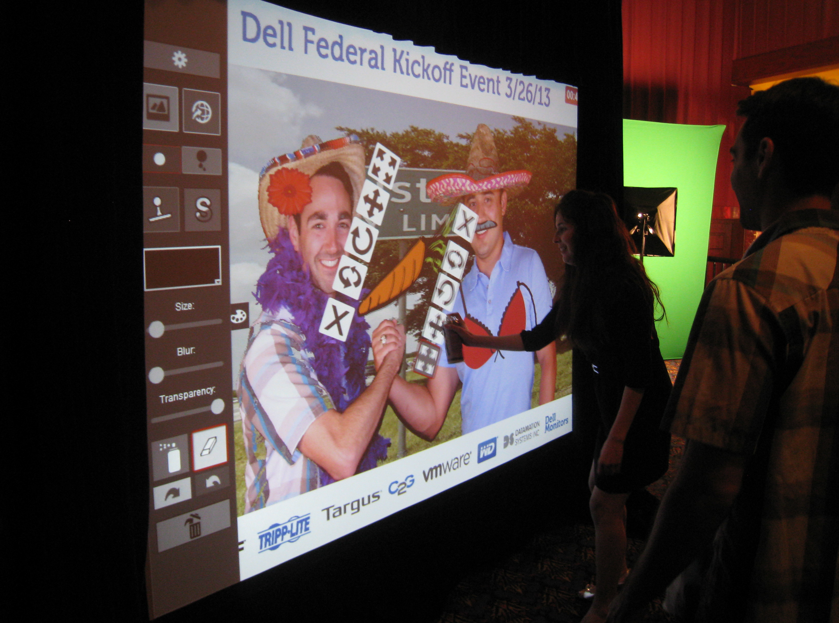 Digital-Grafitti-Wall-Photo-Booth-For-Rent-5