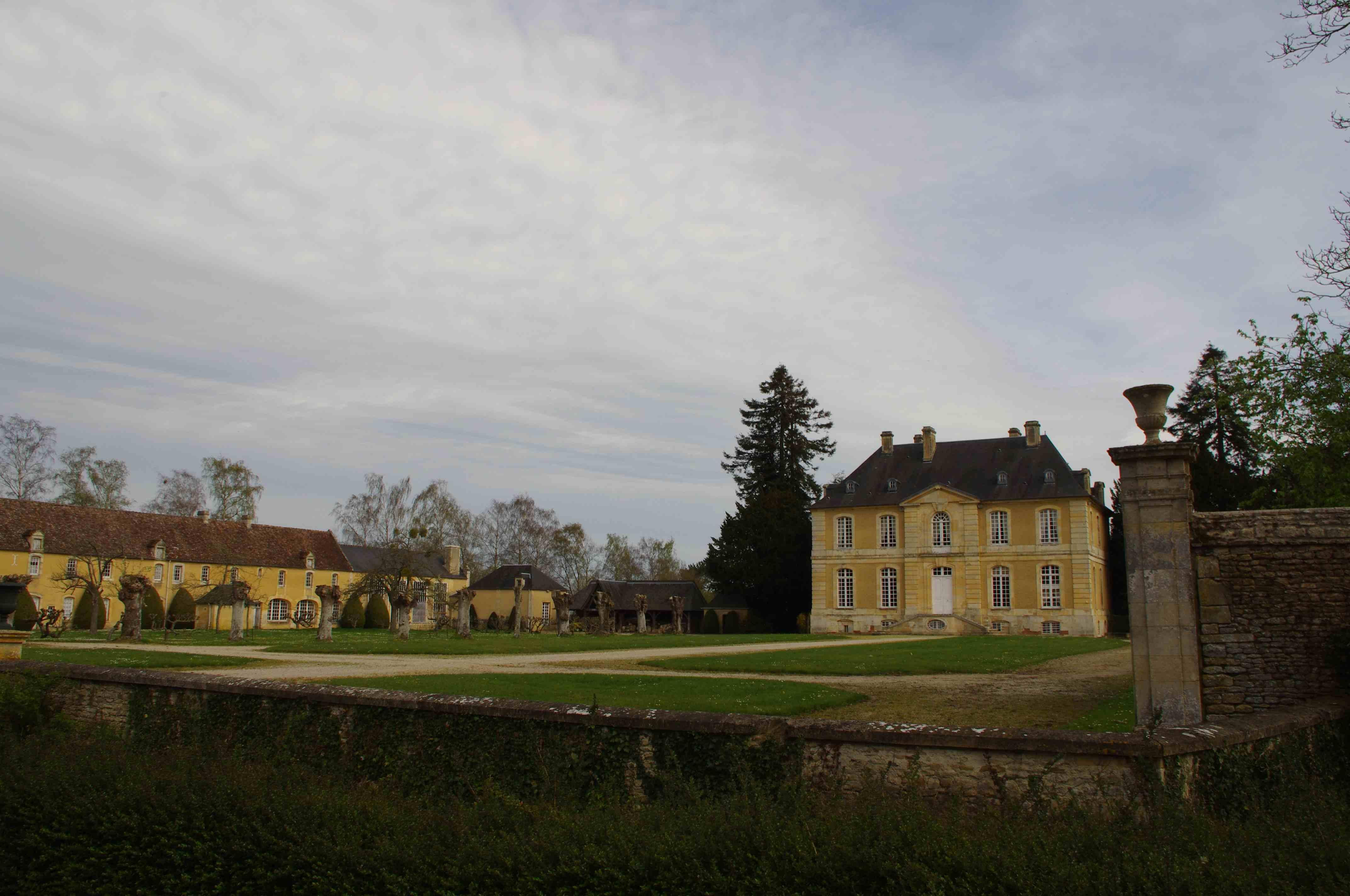 Château avec maison d'amis