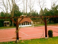 Propriété avec terrain de tennis