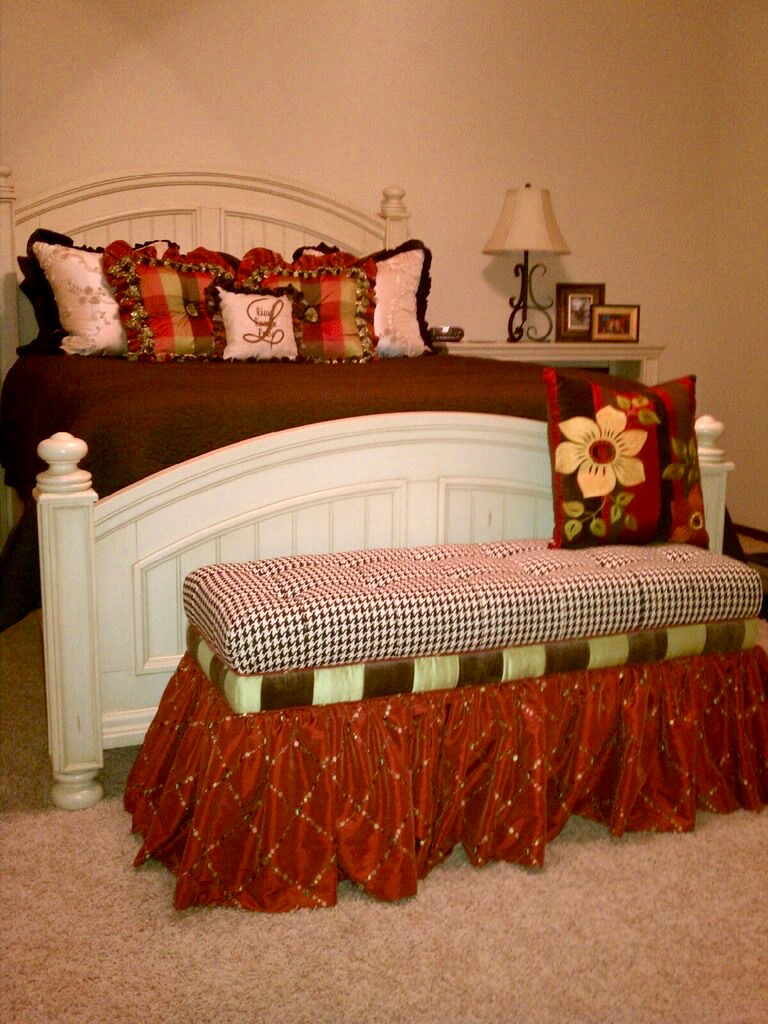 accent pillows and bed bench