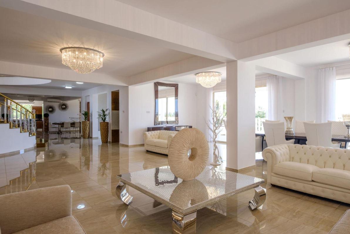 Villa Royale in Paphos Cyprus for luxury weddings by Cyprus Villa Weddings 2021, 2022 and 2023