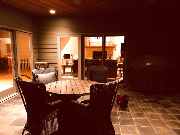 OUTDOOR DINING WITH GAS GRILL