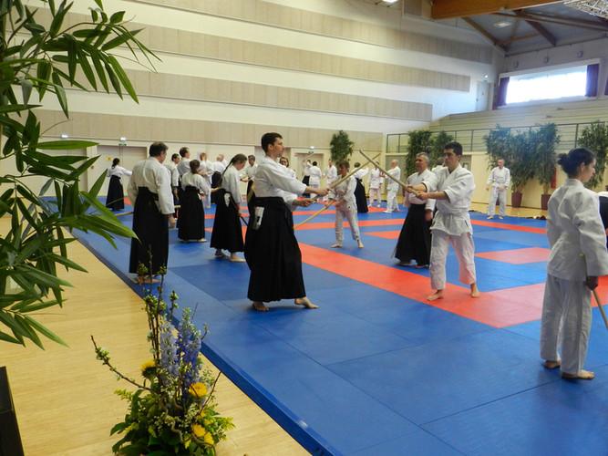 Stage d'aïkido dans un dojo