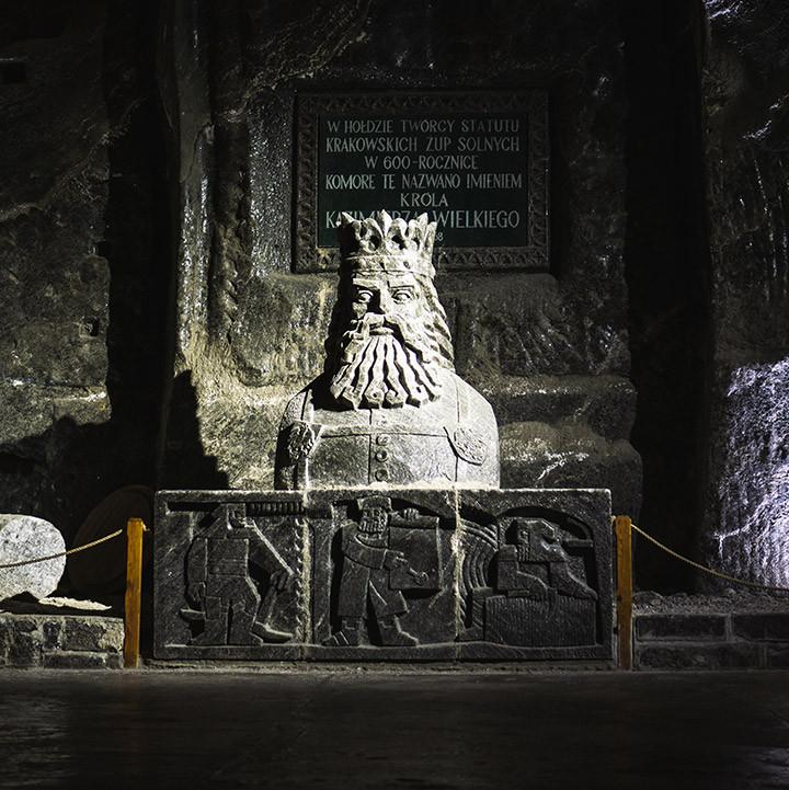 salt mine king carving from salt