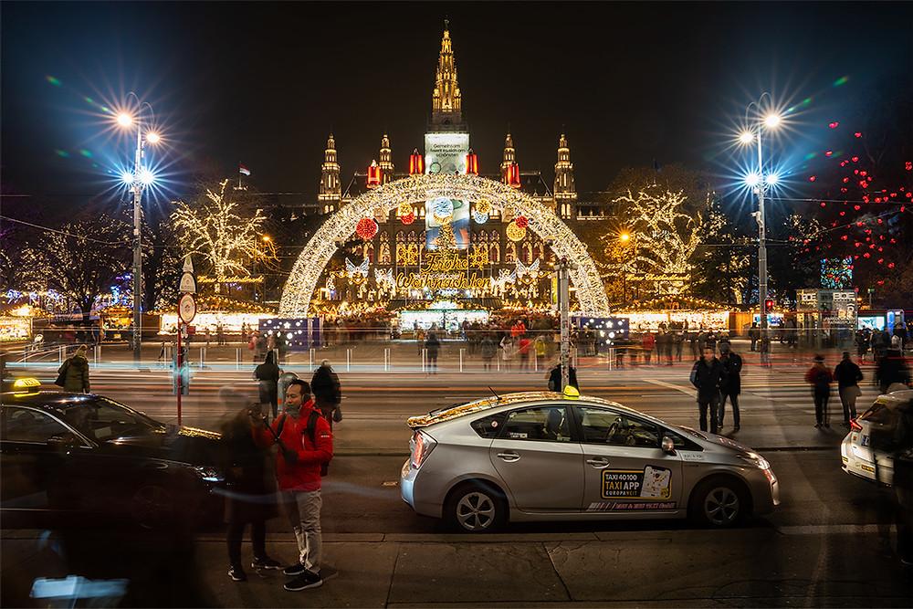 Rathausplatz Christkindlmarkt