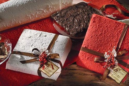 Supremo friabile ricoperto al cioccolato fondente incartato con carta di riso -