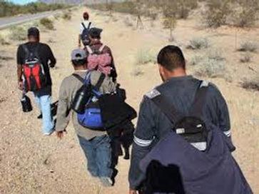 inmigrantes de espalda 1.jfif
