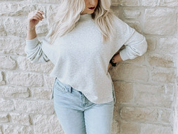 Friday Favorites: weekend sweatshirt & Holiday lip color
