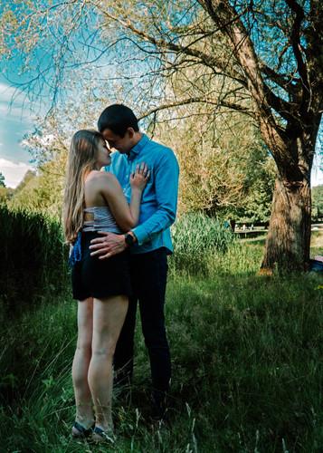 engagement-shoot-wollaton (4).jpg