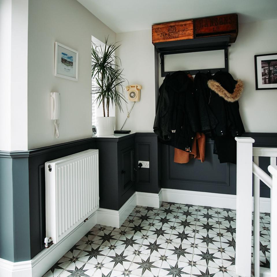 dado-panelling-hallway-b.jpg