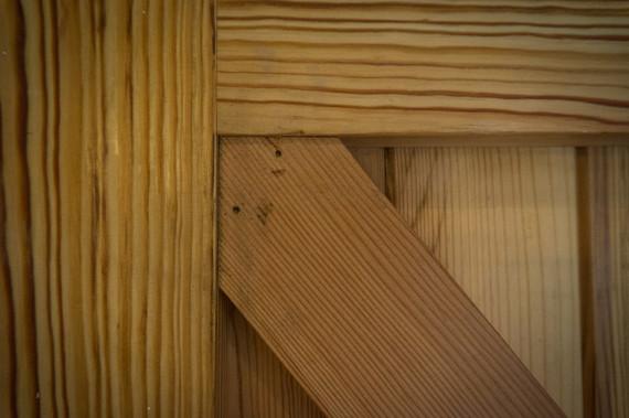 reclaimed-timber-door-detail-b.jpg
