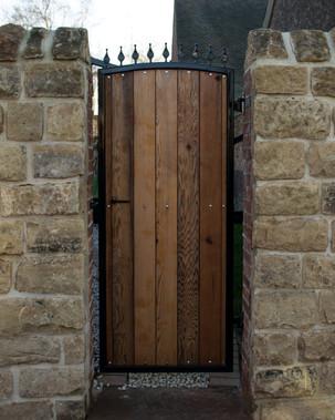reclaimed-timber-gate-steel-frame.jpg