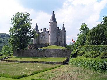 800px-Celles_(Houyet)_-_Château_de_Vêves