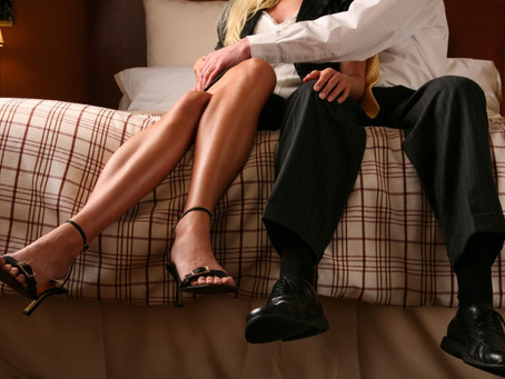 6 Not-So-Obvious Signs He's Cheating