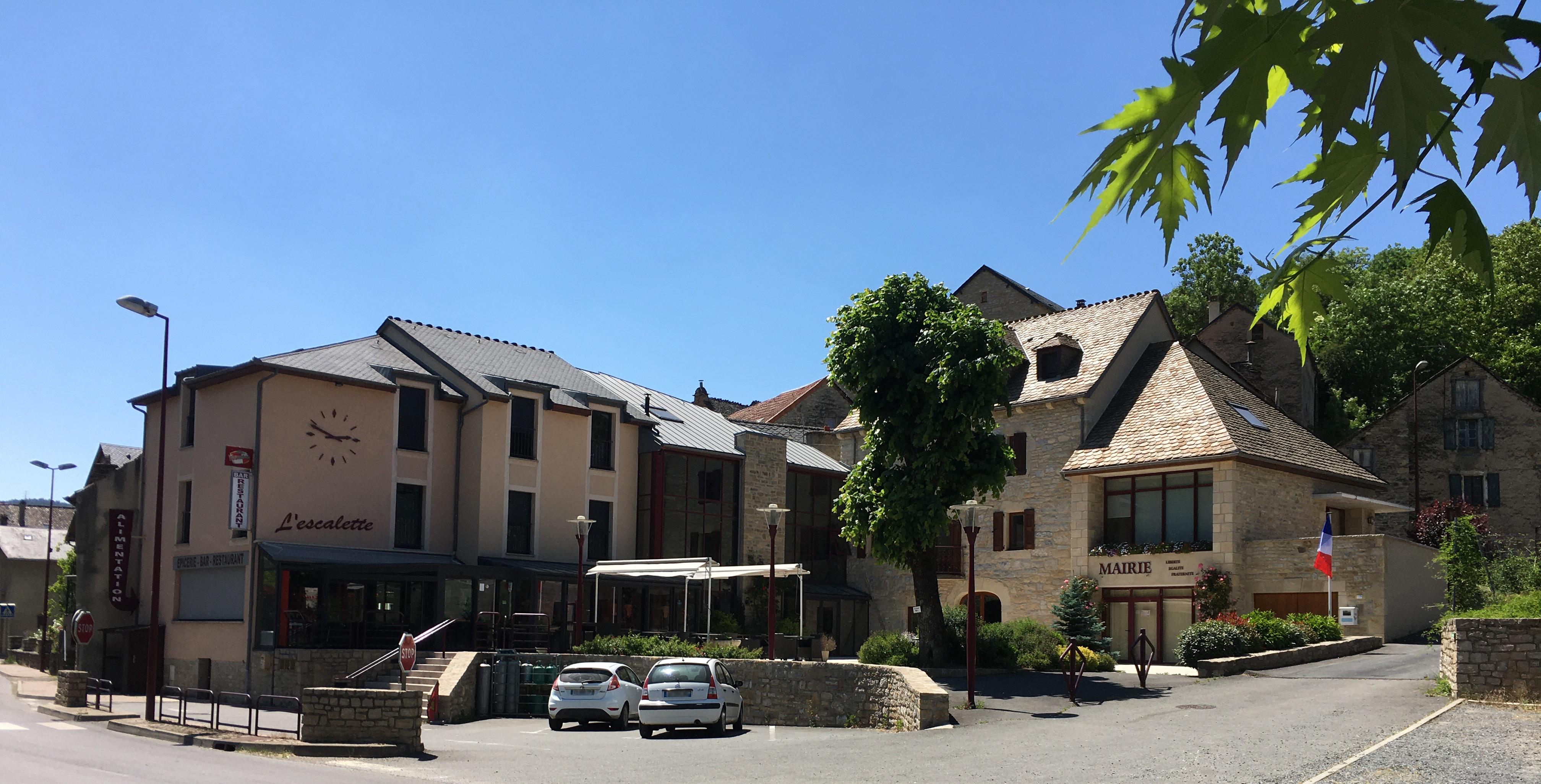Mairie d'Esclanèdes - Le Bruel.JPG