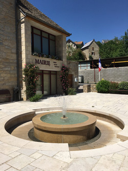 Fontaine Mairie Esclanèdes -  le Bruel.JPG