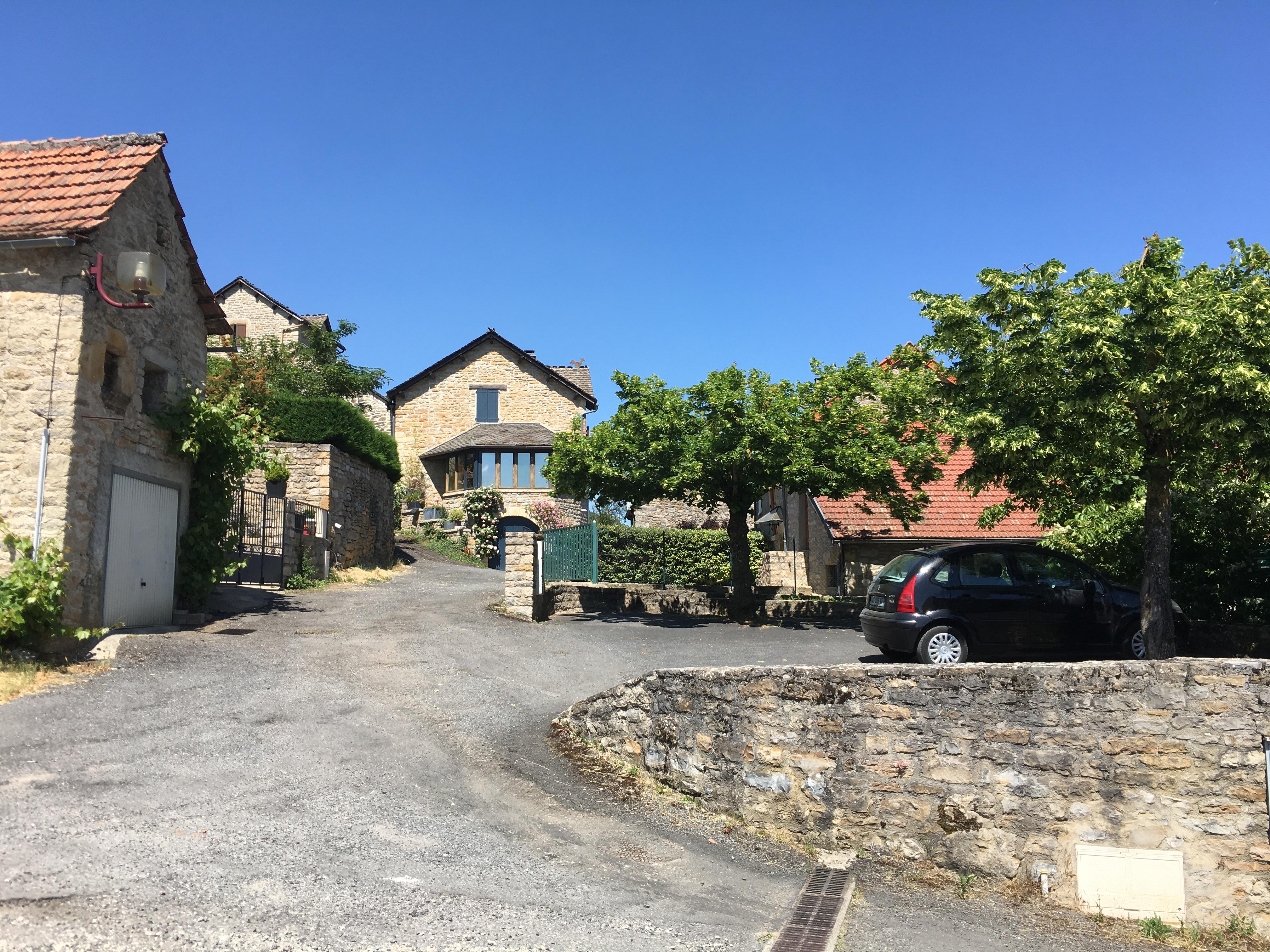 Place de l'Ayre - Le Bruel.JPG