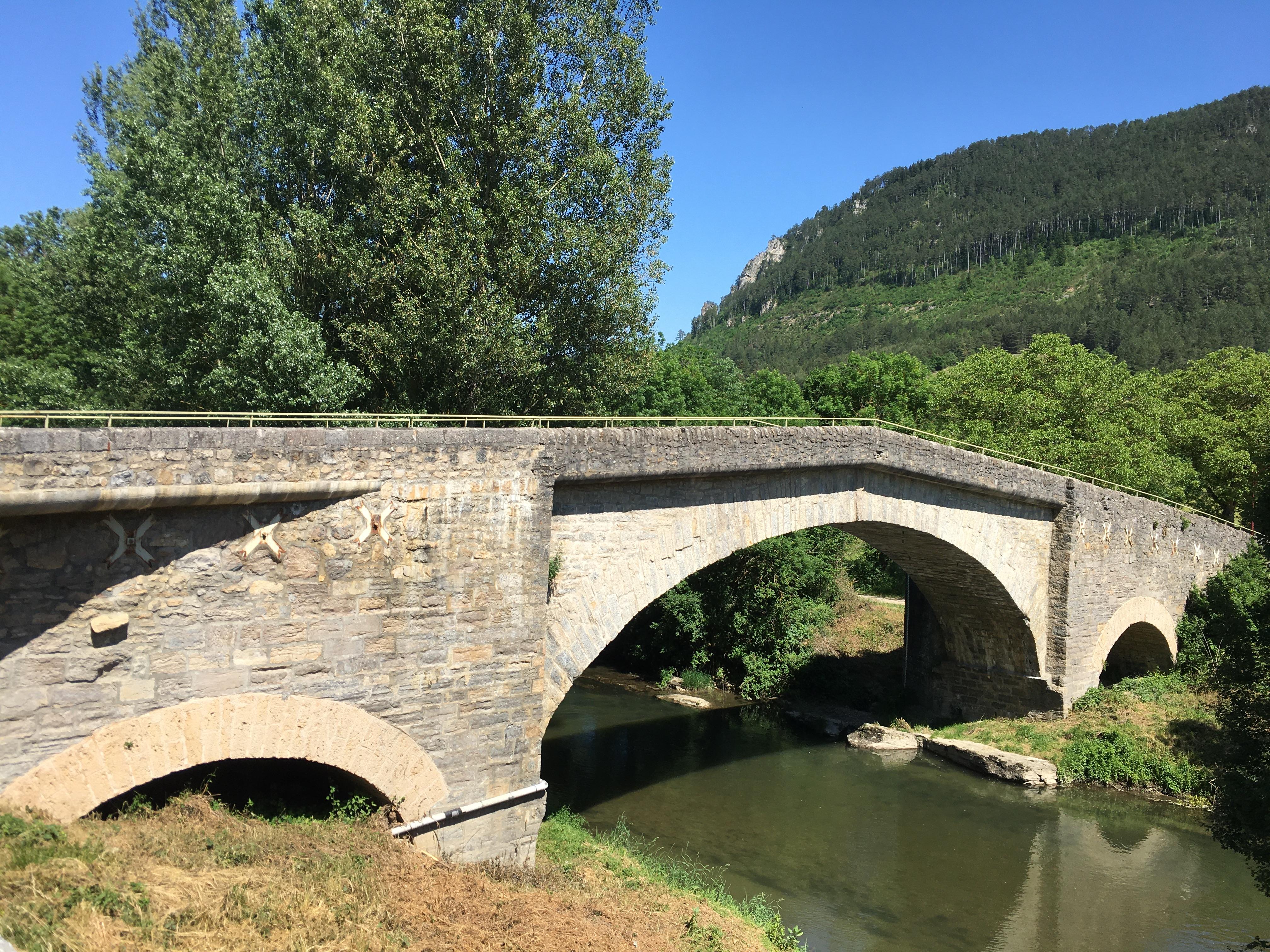 Pont d'Esclanèdes 2.JPG