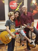 יהלי קוטק תלמיד לגיטרה בסטודיו למוזיקה ש