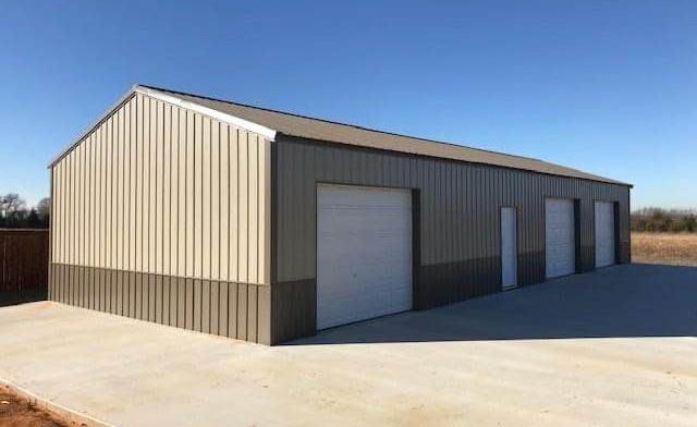 large garage.jpg