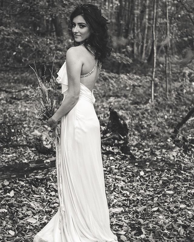 #KRGhairandbridal #photoshoot #forest #bridal #hair #hairstylist ❤️