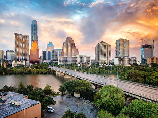 Gaze out over the 5 best rooftop views of downtown Austin