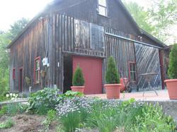 Dumas Barn