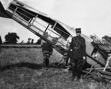 Georges Guynemer in front of his shot-do