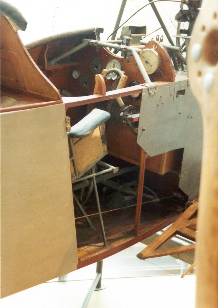 aviatik cockpit II.JPG