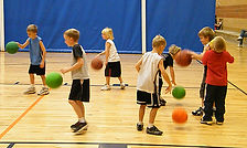 8-kids-playing-basketball.jpg