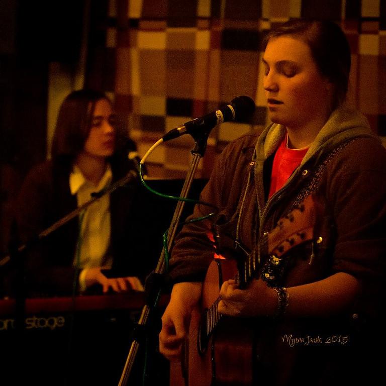 Live Music - Lara Fullford