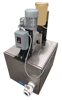 (Above) This 20-gallon melter includes a stirrer and pump for transferring machineable wax through a heated hose to molds.