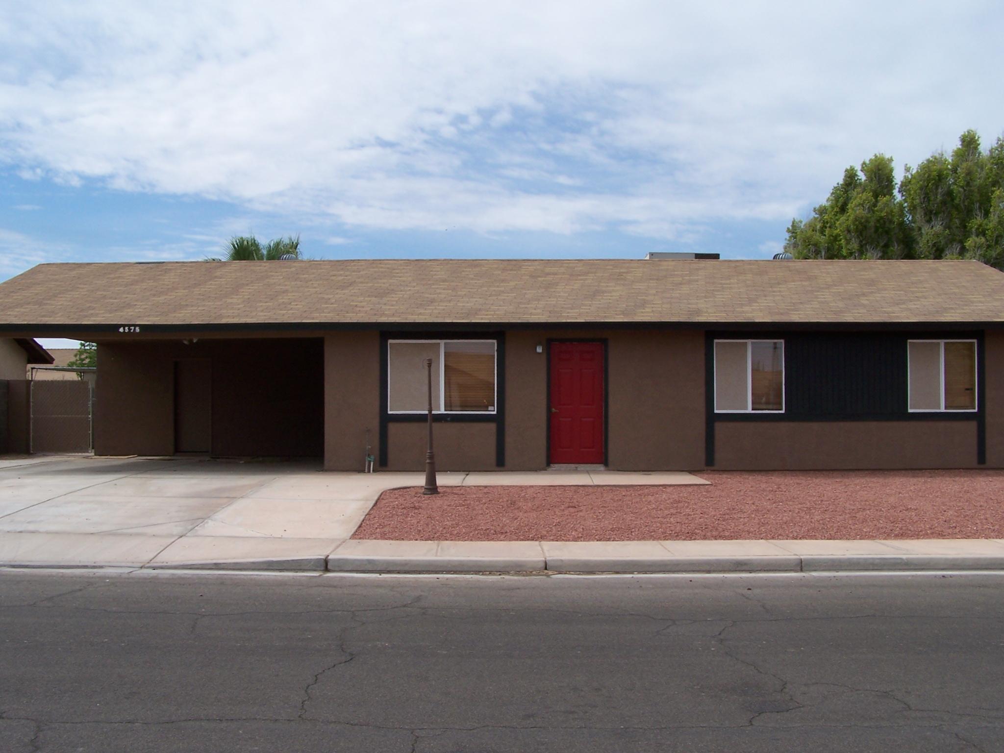 4575 W 18TH LANE: $750/MO.