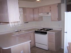 3091 W 31st St. kitchen