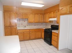 2112 S 6th Ave kitchen.jpg