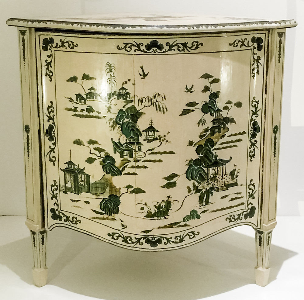 Chinese Chippendale cabinet V & A Museum