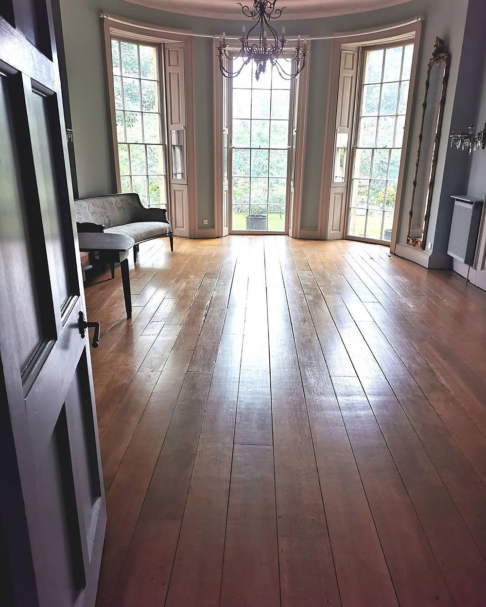 Elm floorboards in a Georgian drawing room