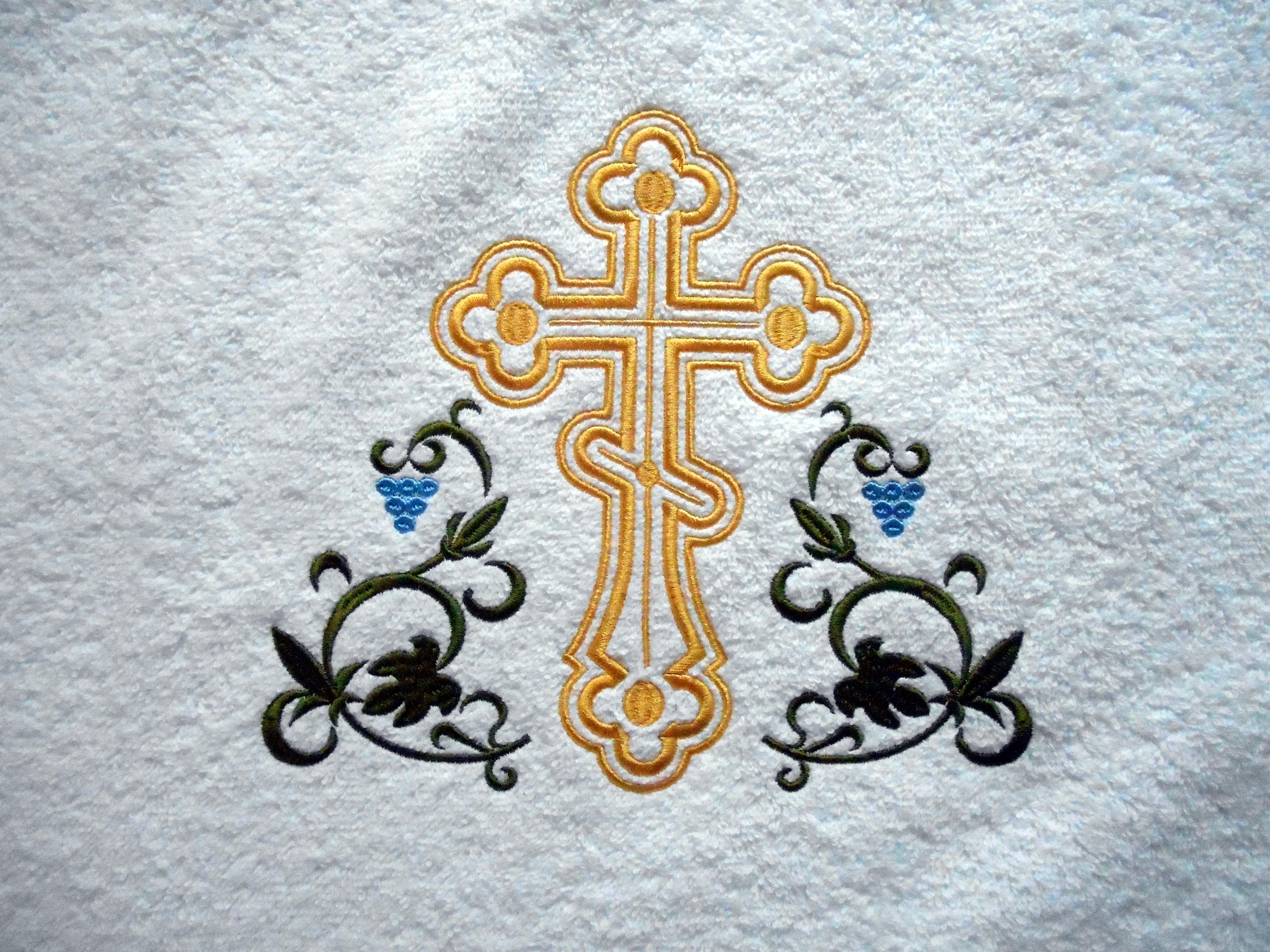крест с орнаментом